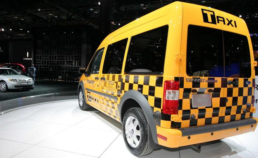 2011 Ford Transit Connect natural gas taxi - Slide 2