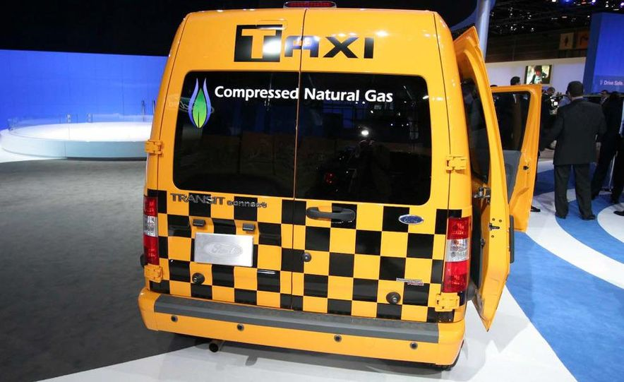 2011 Ford Transit Connect natural gas taxi - Slide 10