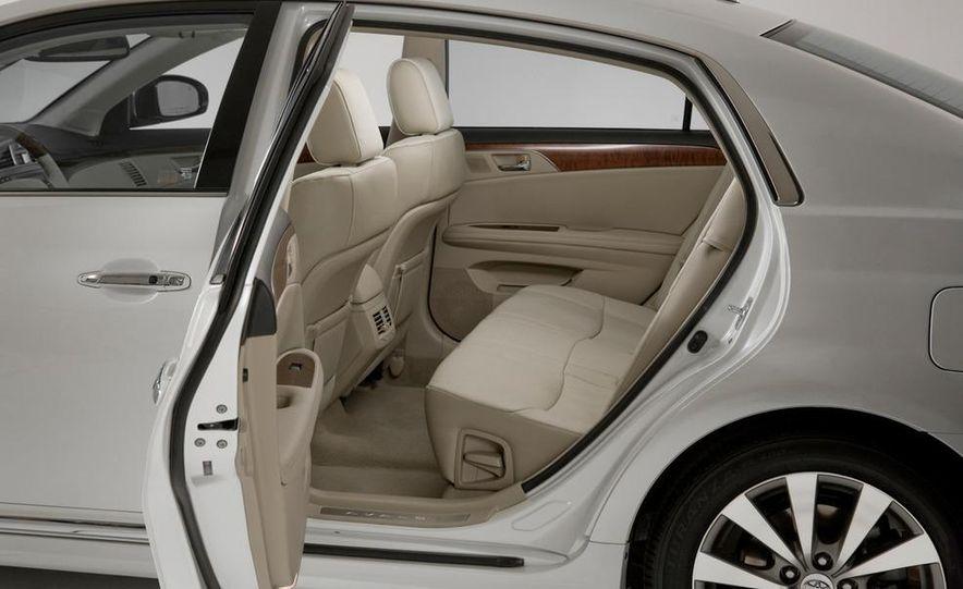 2011 Toyota Avalon - Slide 36