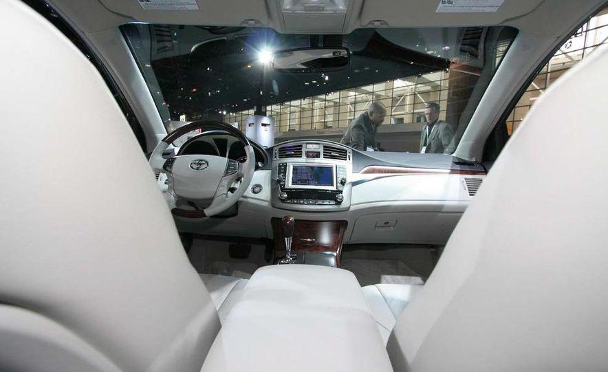 2011 Toyota Avalon - Slide 11
