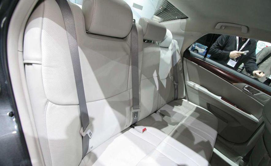 2011 Toyota Avalon - Slide 14