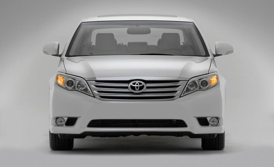 2011 Toyota Avalon - Slide 20