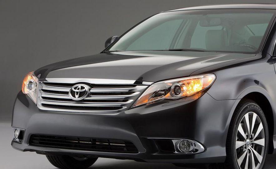 2011 Toyota Avalon - Slide 29