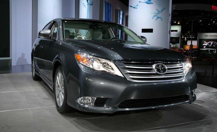2011 Toyota Avalon - Slide 1