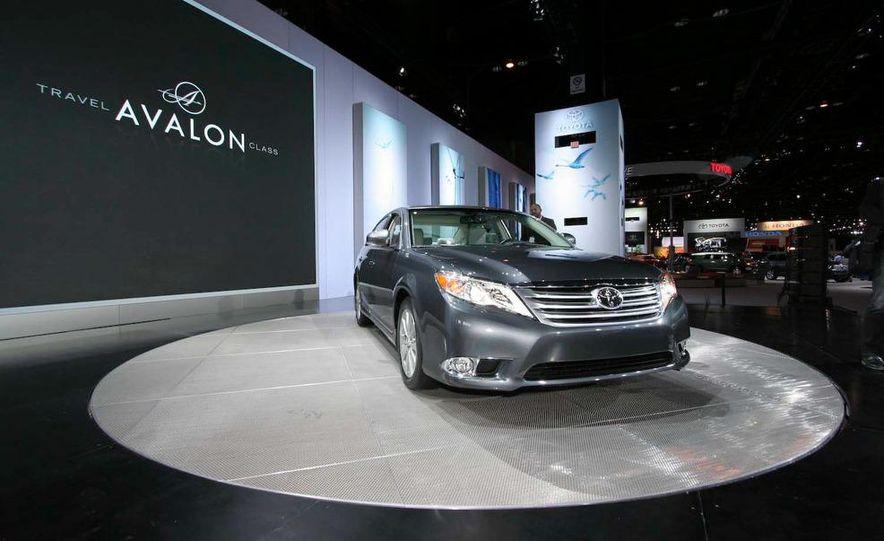 2011 Toyota Avalon - Slide 2