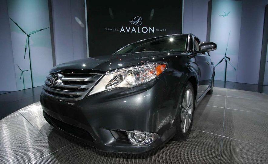 2011 Toyota Avalon - Slide 5