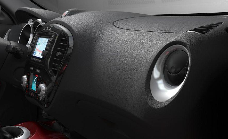 2011 Nissan Juke - Slide 25