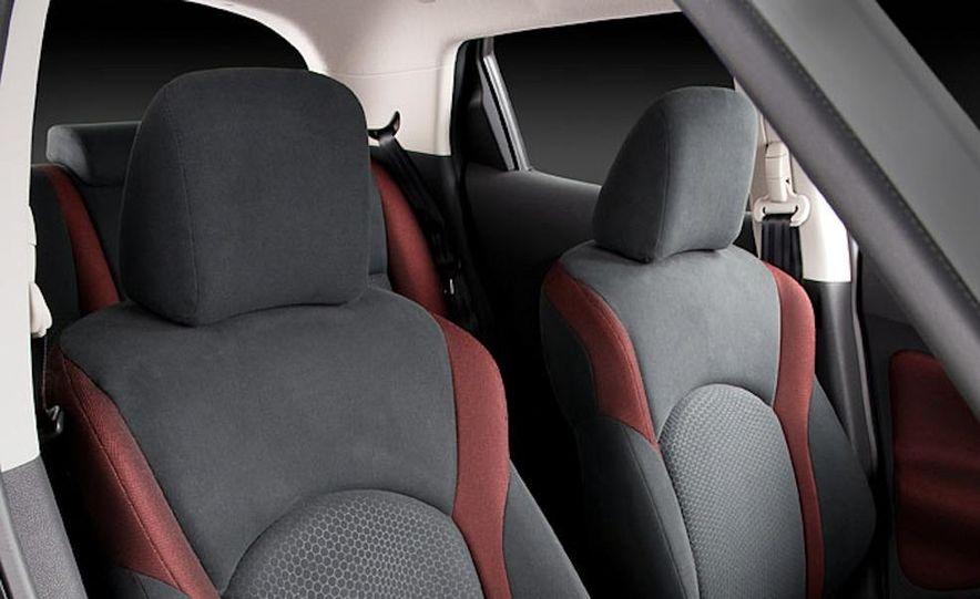 2011 Nissan Juke - Slide 22