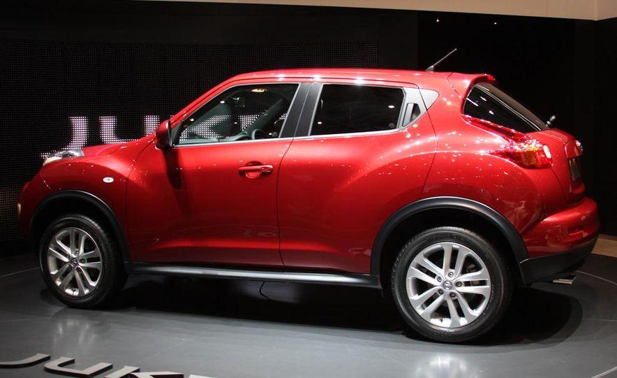 2011 Nissan Juke - Slide 2