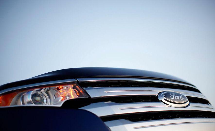 2011 Ford Edge Sport - Slide 43