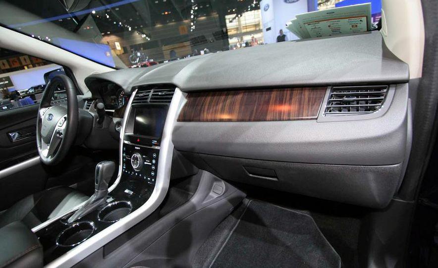 2011 Ford Edge Sport - Slide 13