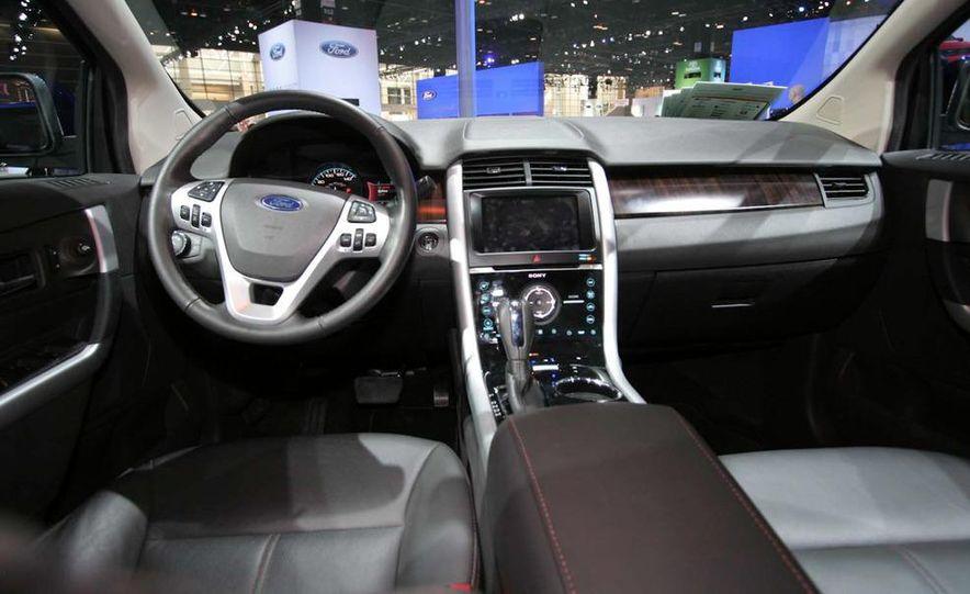 2011 Ford Edge Sport - Slide 9