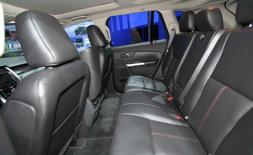 2011 Ford Edge Sport - Slide 12