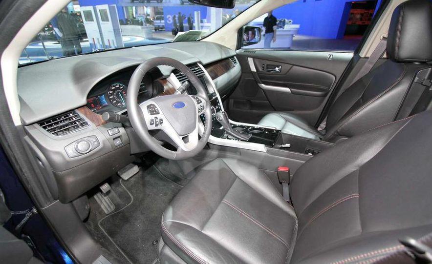 2011 Ford Edge Sport - Slide 10