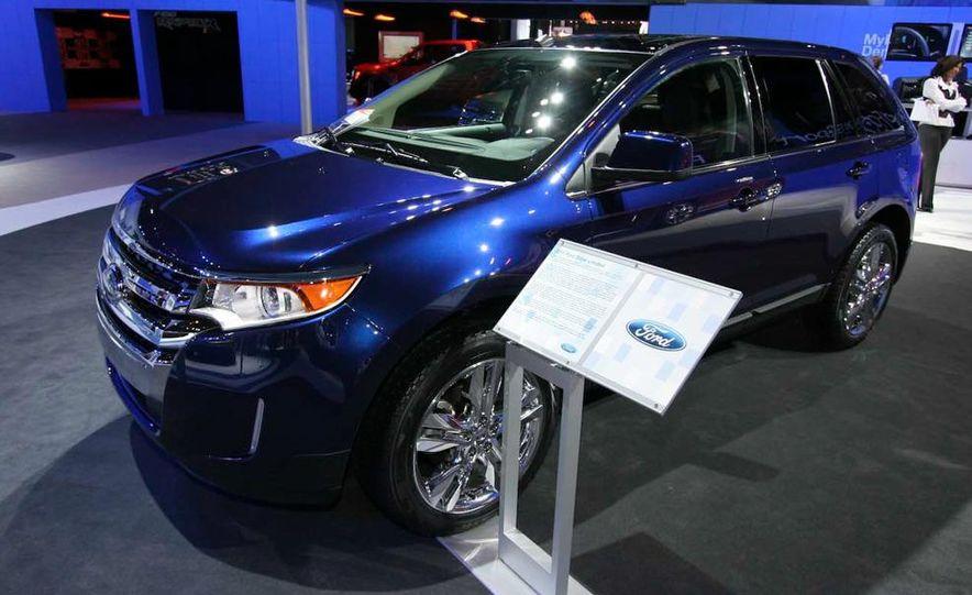2011 Ford Edge Sport - Slide 7