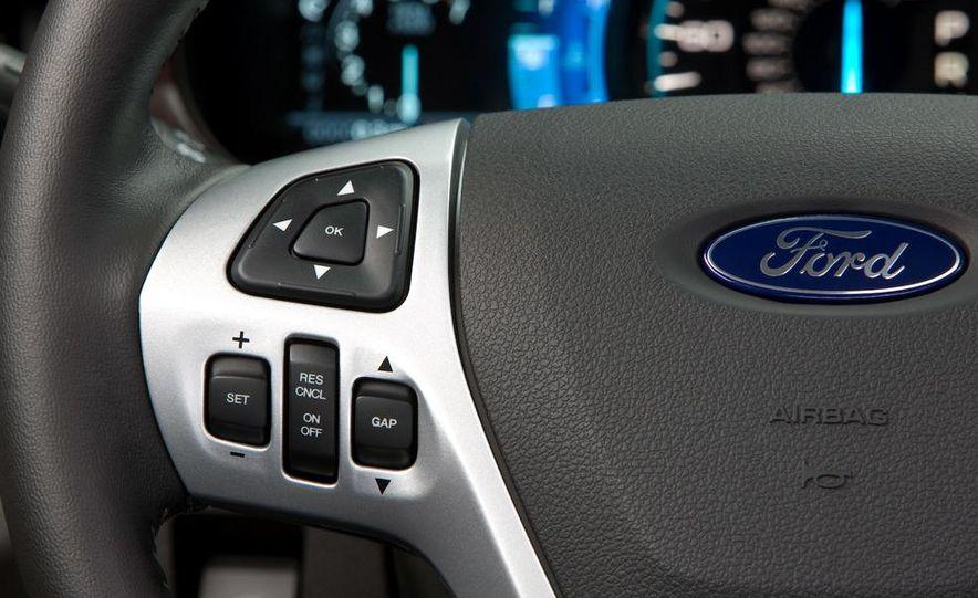 2011 Ford Edge Sport - Slide 32