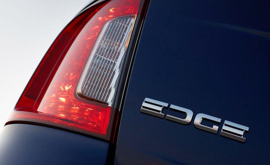 2011 Ford Edge Sport - Slide 47