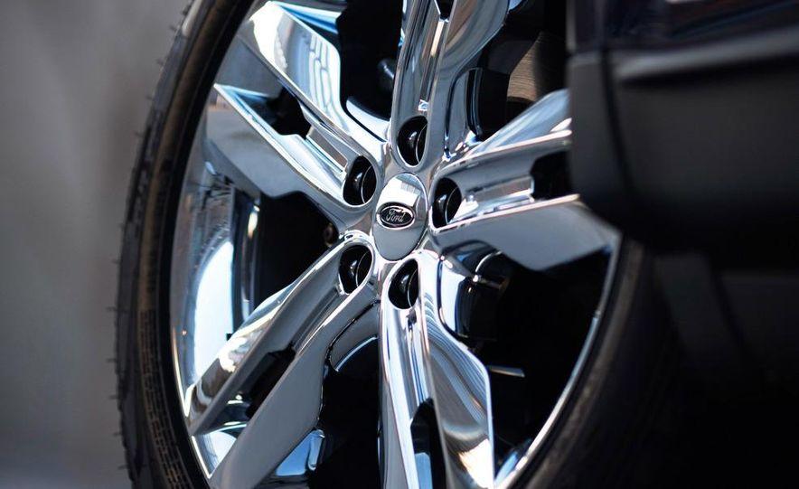 2011 Ford Edge Sport - Slide 31