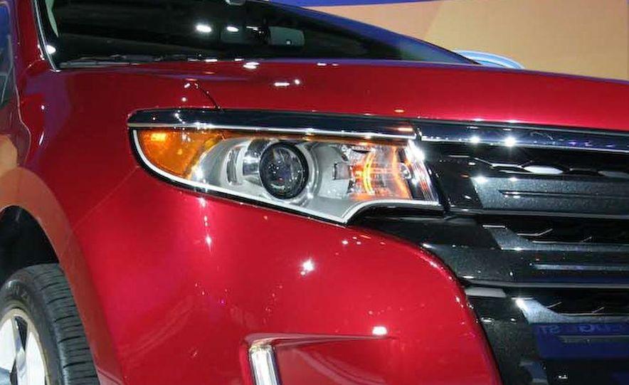 2011 Ford Edge Sport - Slide 4