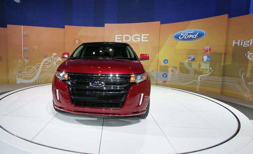 2011 Ford Edge Sport - Slide 2