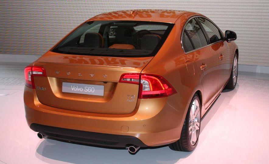 2011 Volvo S60 - Slide 5