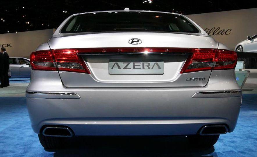 2011 Hyundai Azera - Slide 7