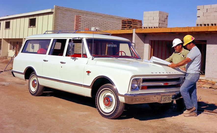 2010 Chevrolet Suburban 75th Anniversary Diamond Edition - Slide 21