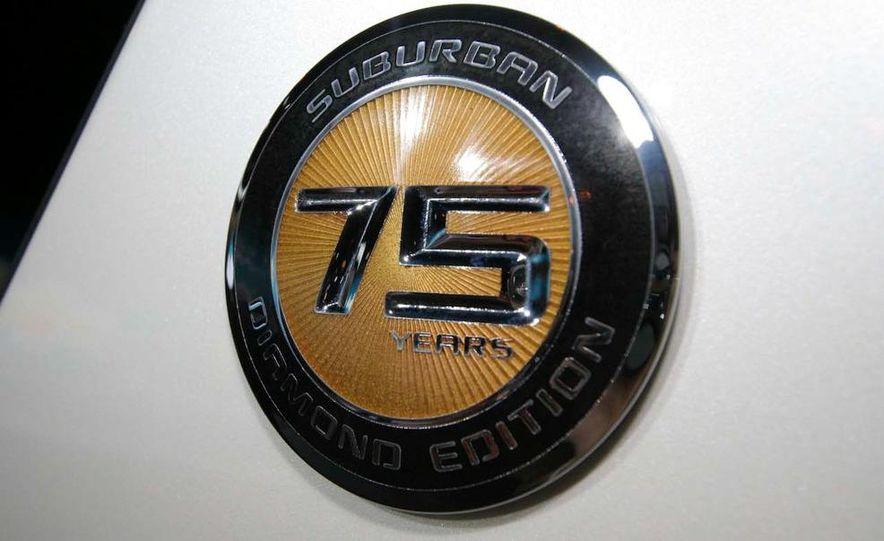 2010 Chevrolet Suburban 75th Anniversary Diamond Edition - Slide 5