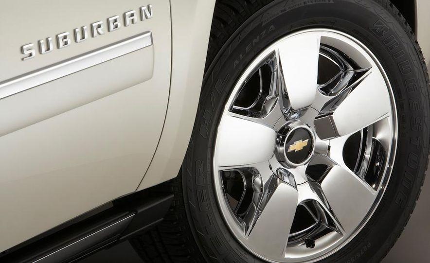 2010 Chevrolet Suburban 75th Anniversary Diamond Edition - Slide 14