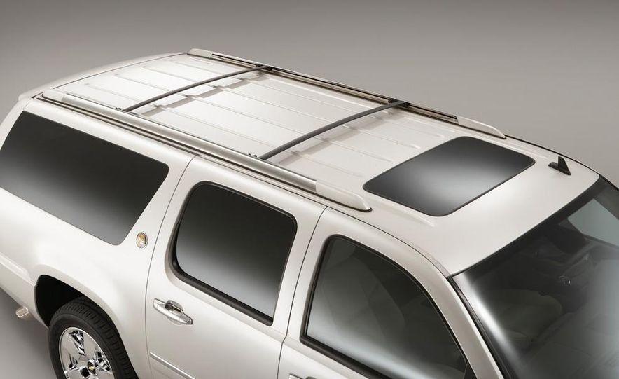 2010 Chevrolet Suburban 75th Anniversary Diamond Edition - Slide 13