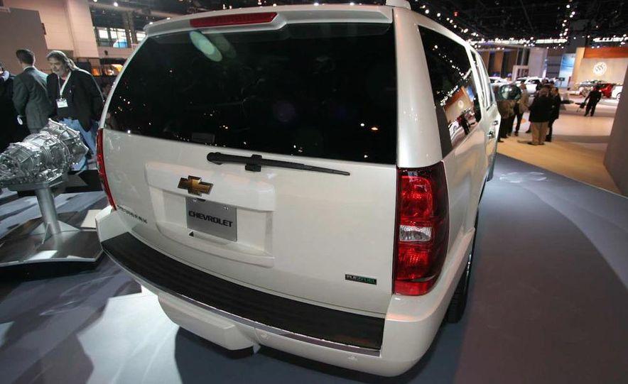 2010 Chevrolet Suburban 75th Anniversary Diamond Edition - Slide 2