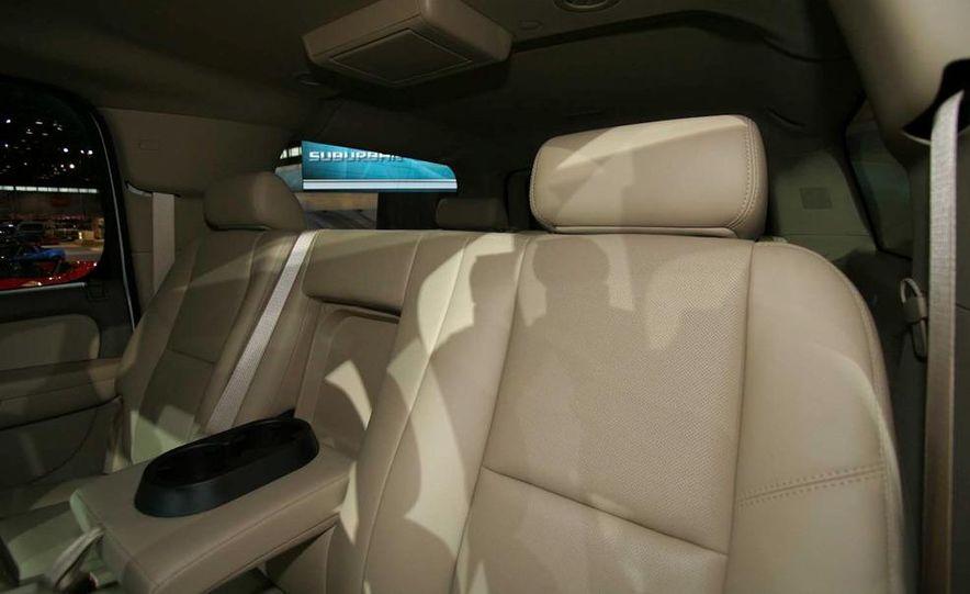 2010 Chevrolet Suburban 75th Anniversary Diamond Edition - Slide 7