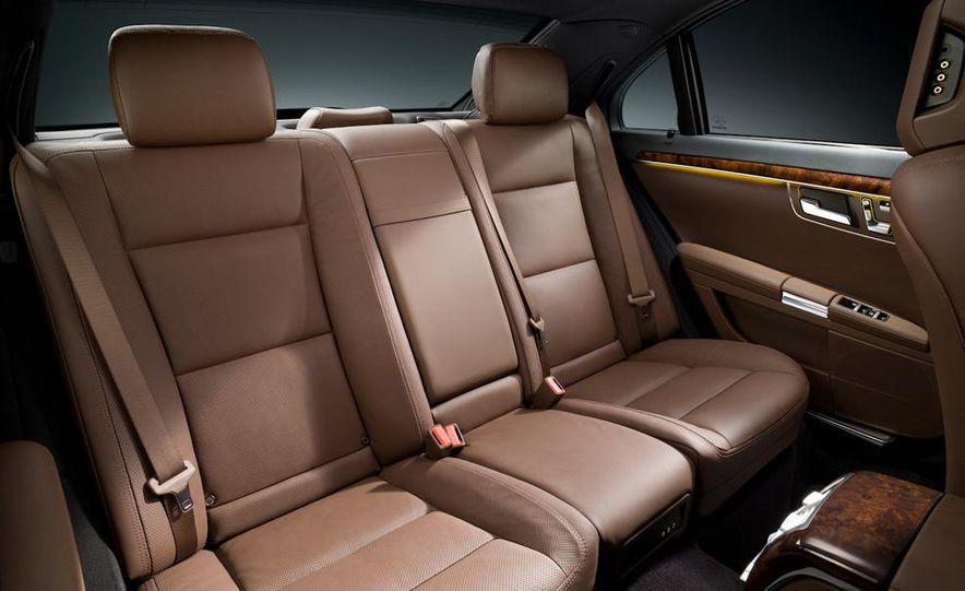 2012 Mercedes-Benz S-class (spy photo) - Slide 24