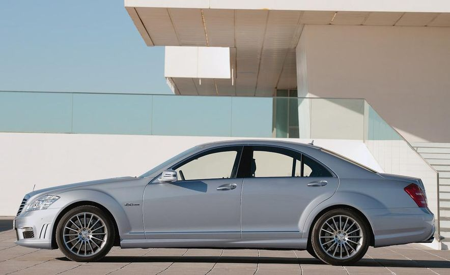 2012 Mercedes-Benz S-class (spy photo) - Slide 69