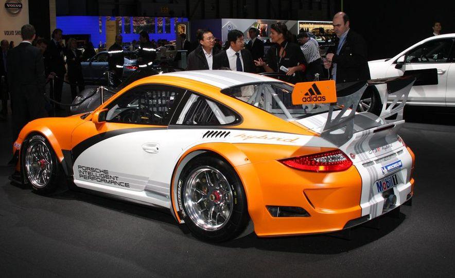 Porsche 911 GT3 R hybrid - Slide 2