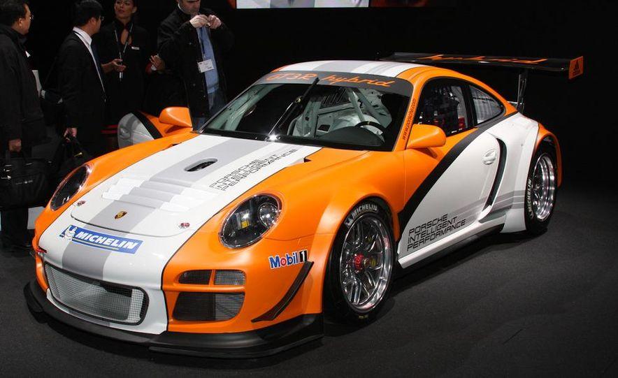 Porsche 911 GT3 R hybrid - Slide 3