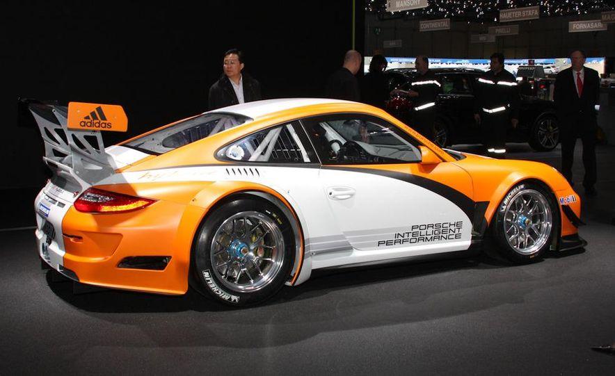 Porsche 911 GT3 R hybrid - Slide 4