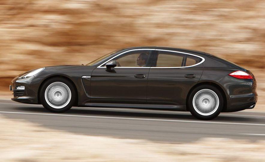 2011 Porsche Panamera - Slide 18
