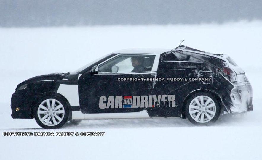 2012 Hyundai Veloster (spy photo) - Slide 4