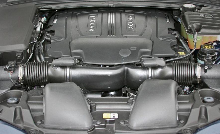 2010 Jaguar XF Supercharged - Slide 41