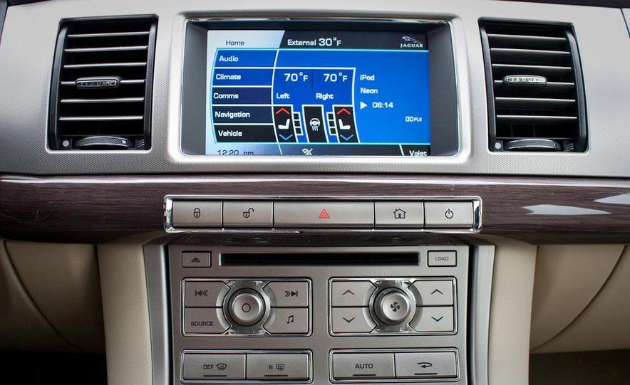 2010 Jaguar XF Supercharged - Slide 34