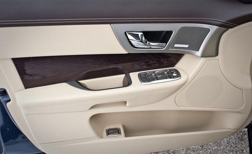 2010 Jaguar XF Supercharged - Slide 24