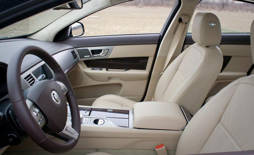 2010 Jaguar XF Supercharged - Slide 25