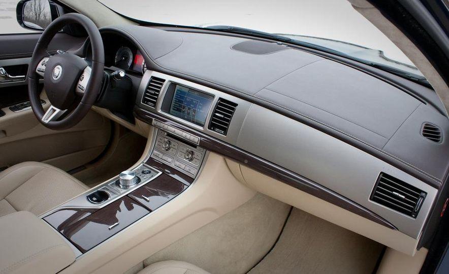2010 Jaguar XF Supercharged - Slide 28