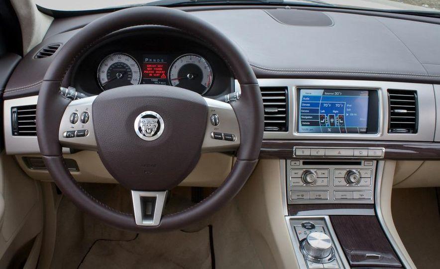 2010 Jaguar XF Supercharged - Slide 31