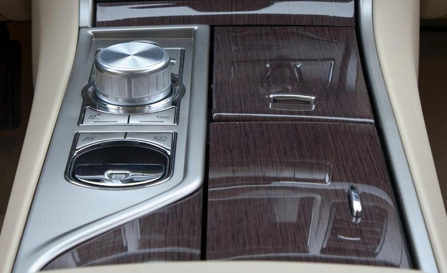 2010 Jaguar XF Supercharged - Slide 38
