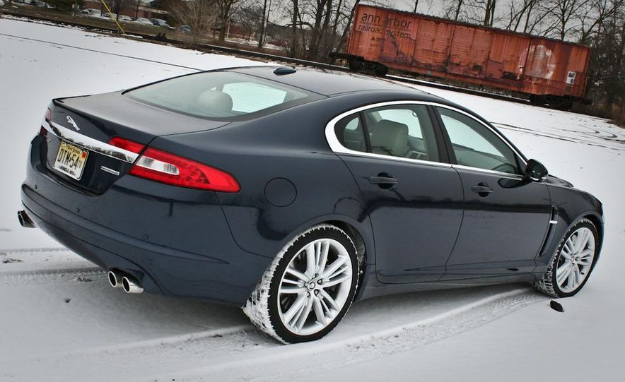 2010 Jaguar XF Supercharged - Slide 7