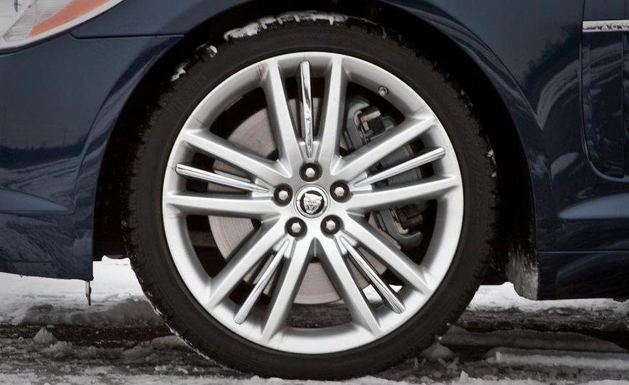 2010 Jaguar XF Supercharged - Slide 22
