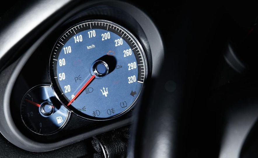 2011 Maserati Quattroporte GT-S Awards Edition - Slide 17