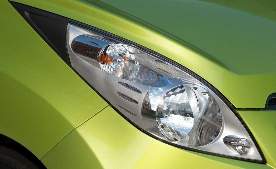 2012 Chevrolet Spark - Slide 25